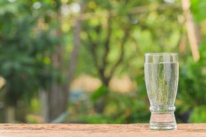 boire un verre d'eau pour la santé