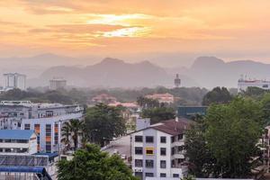 Vue du matin de la ville d'ipoh, perak, malaisie, 2017