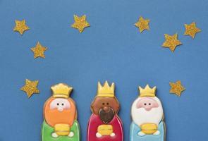 trois rois avec des étoiles photo