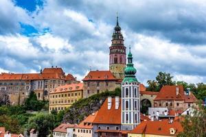 Vue sur la ville et le château de Cesky Krumlov en République tchèque photo