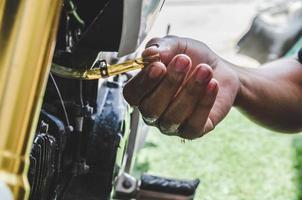 homme, réparation, moto photo