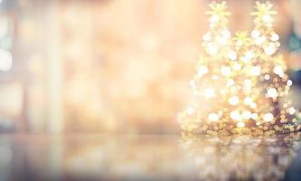 Arrière-plan flou de Noël, couleur douce bokeh chaude avec un ton vintage photo