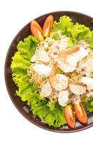 salade de nouilles épicées aux fruits de mer, à la thaïlandaise