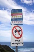 signe sur la plage australienne photo