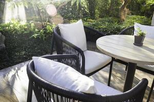meubles de café en plein air photo