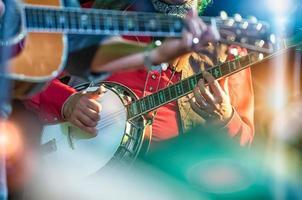 joueur de banjo dans le groupe country