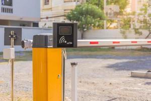 système automatique de porte de barrière pour la sécurité sur le parking de voiture