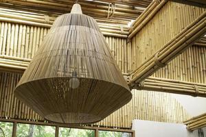 arrangement d'éclairage en bambou photo
