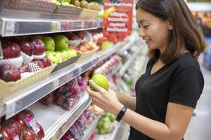 femme, achats, fruit photo