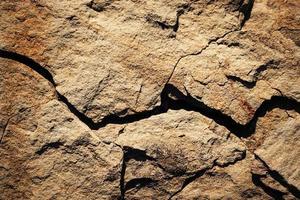 roche ocre rustique photo