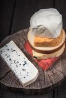 de nombreux types de fromages photo