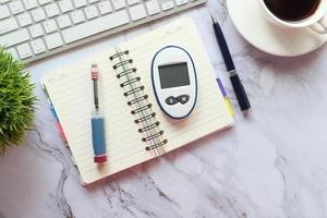 gros plan des outils de mesure du diabète