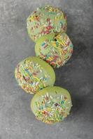 ensemble de beignets sucrés avec des pépites photo