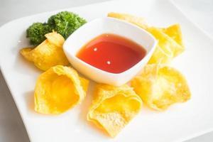 wonton au fromage frit photo