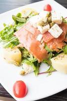 salade de saumon fumé photo