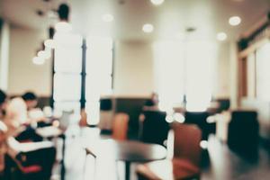 Abstrait intérieur de café défocalisé pour le fond