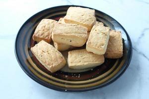 Close up de biscuits sucrés sur table en bois