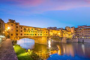 Ponte Vecchio sur l'Arno à Florence