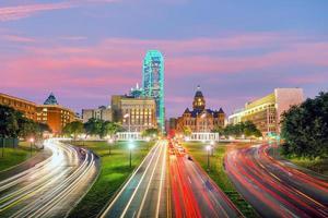 Skyline du centre-ville de Dallas au crépuscule, Texas