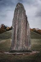 gros plan, de, une, vieille pierre runique photo