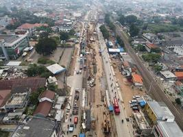 bekasi, indonésie 2021- embouteillage dans les rues polluées de bekasi avec le plus grand nombre de véhicules à moteur et la congestion du trafic
