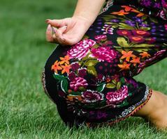 gros plan, de, a, femme, pratiquer, yoga photo