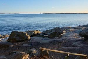 banc sur la côte photo