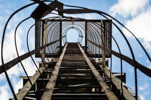 vieil escalier rouillé photo