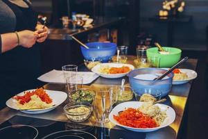 repas spaghetti sur table photo