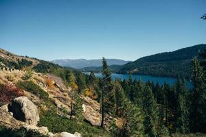 beau paysage d'automne en californie photo