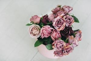 vue de dessus d'un bouquet violet photo