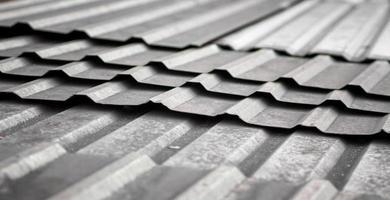 vieux toit en métal photo