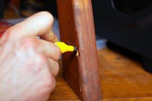 restauration et réparation de meubles en bois photo