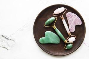 rouleaux de visage de jade pour la thérapie de massage facial de beauté