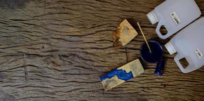 résine époxy pour la coulée du bois photo