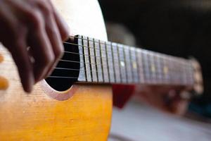 jouer d'un instrument de musique photo