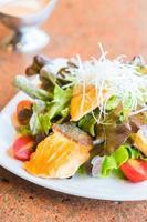 salade de saumon frit photo