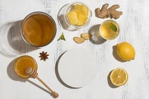 composition avec de délicieuses boissons fermentées photo