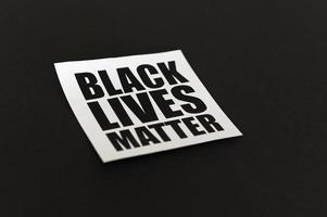 signe de protestation de la vie noire photo