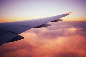 focus photo d'une aile d'avion