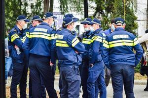 Tbilissi, Géorgie - 9 avril 2021, groupe de policiers géorgiens. photo