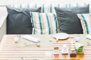 réglage de la table pour le dîner photo