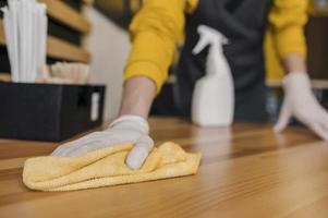 Vue de face de la table de nettoyage barista photo