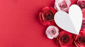 beau concept de saint valentin avec des roses photo