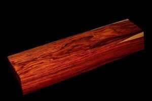 bûches de bois de rose birman photo