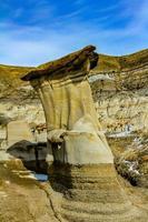vue verticale des badlands canadiens photo