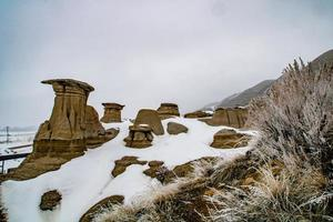 hoodoos et neige photo