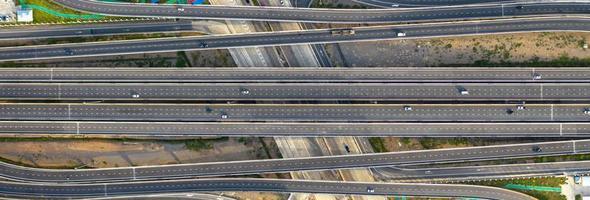 vue aérienne de dessus de l & # 39; autoroute photo