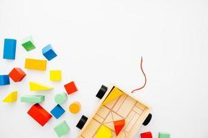 Vue de dessus jouets en bois pour enfants avec espace copie photo