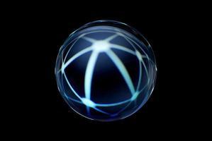 une sphère abstraite avec un motif flou isolé sur fond noir. photo
